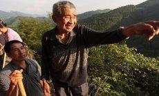 Permalink to Hebat, Kakek Berusia 81 Tahun Membelah Gunung agar Desanya Teraliri Air