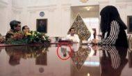 Permalink to Merinding, Ada Penampakan Dalam Foto Presiden Jokowi ini
