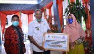 Permalink to Bupati Sintang Menyerahkan Langsung Bantuan Presiden Bagi UMKM Kabupaten Sintang